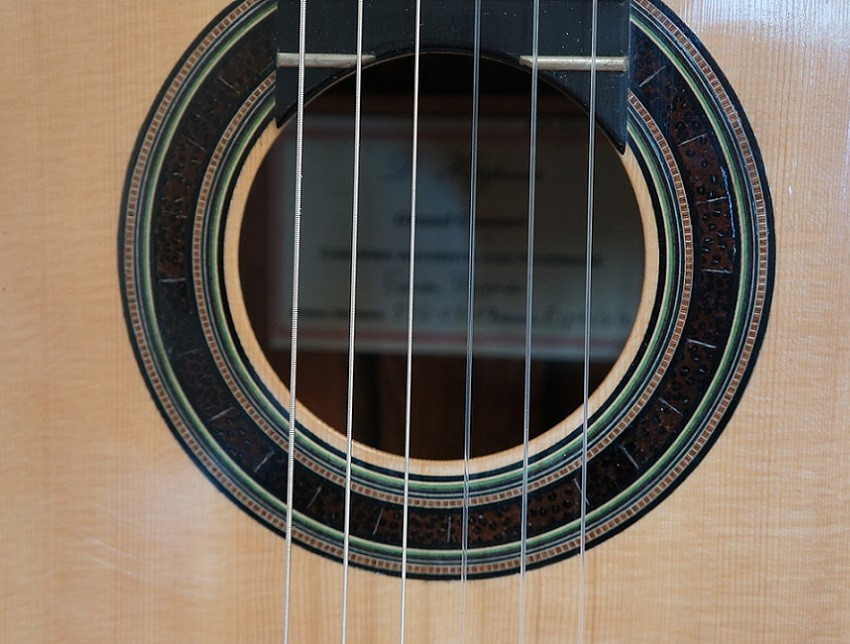 steel-string-guitar
